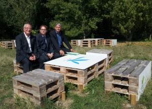 De gauche à droite : Philippe Tautou, Vice-Président de la CA2RS, Eddie Aït, maire de Carrières-sous-Poissy et Jean-François Raynal, Vice-Président du Conseil général des Yvelines